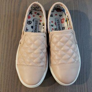 Steve Madden Girls Quilted Slip-On Sneakers